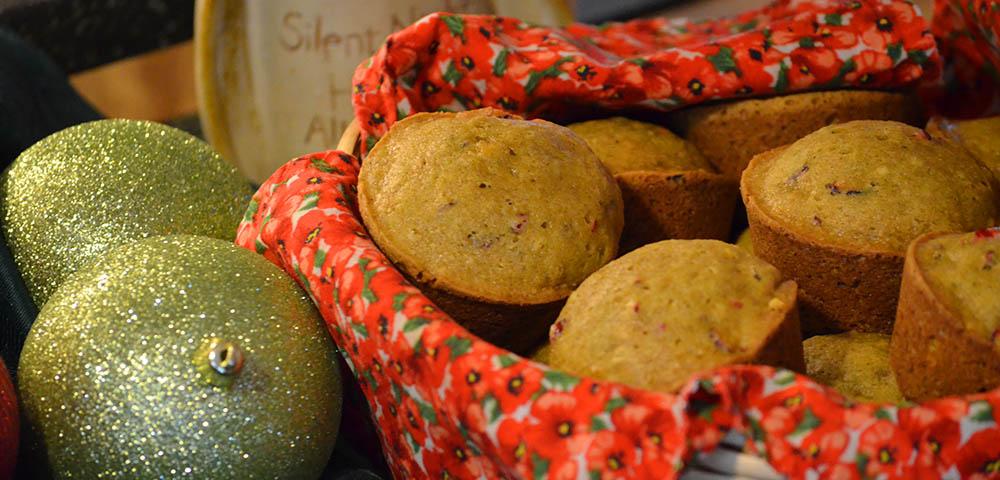 Cranberry-pumpkin_muffins_1000x480